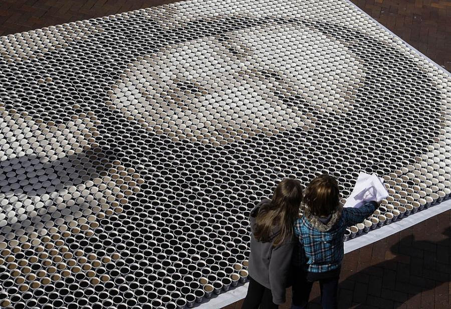 Mona Lisa con tazas de café