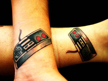 Tatuaje mando Nintendo