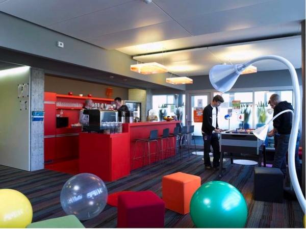 Fotos de las oficinas de google zurich for Oficina zurich los llanos de aridane