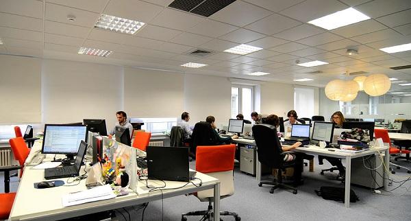 Fotos de las oficinas de tuenti - Idealista oficinas madrid ...