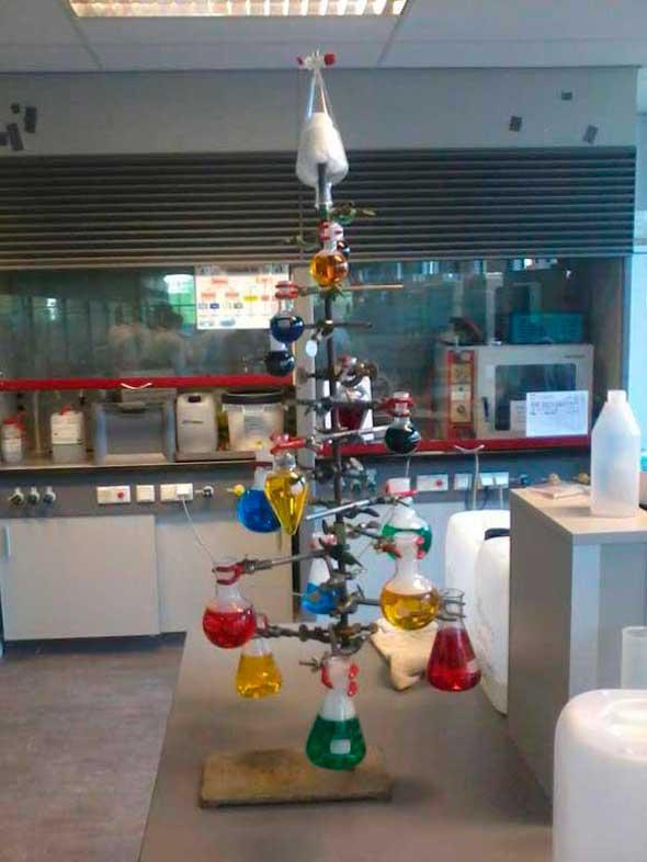 Árbol Navidad de cientifico/nerd loco