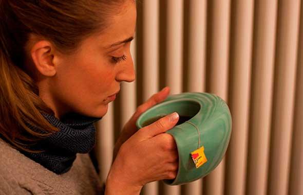 """ToastyMUG, una taza con """"bolsillos"""" para calentar la manos"""
