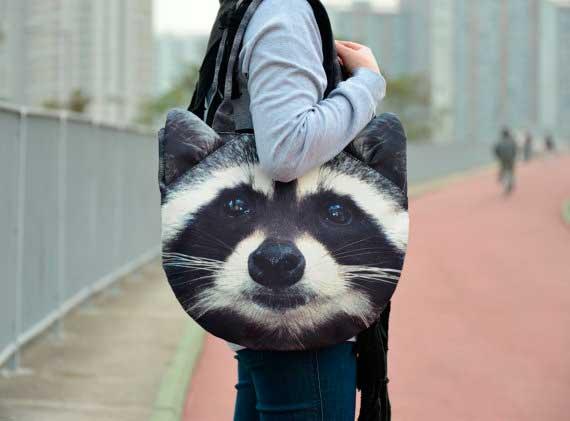 bolsos con caras de animales; mapache