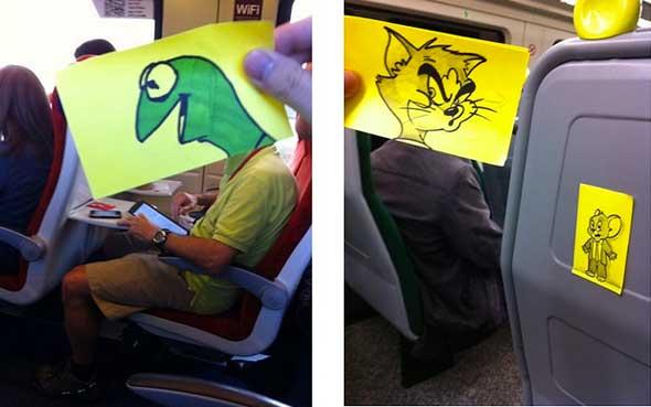 October Jones, el dibujante que transforma a pasajeros de tren en divertidos personajes de cómic y dibujos animados