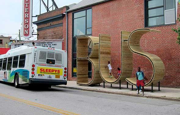 "Bonita parada de bus ""Tipográfica"""