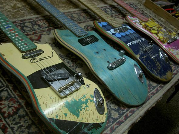 Guitarras hechas con tablas de monopatín