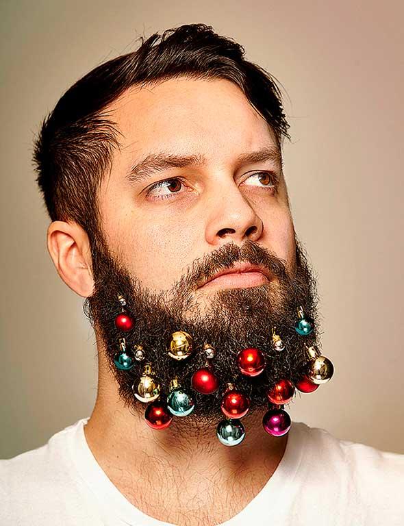 Decora tu barba con estas bolas de Navidad