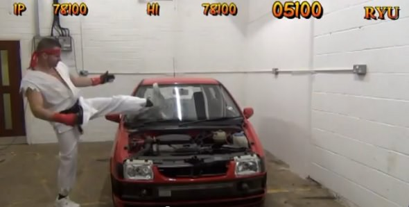 Pantalla Bonus del coche de Street Fighter recreada en la vida real
