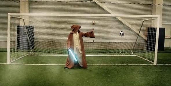 Vídeo - Partido de fútbol entre superhéroes y otros personajes de la cultura friki / geek